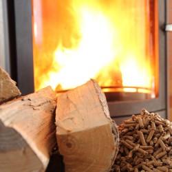 Preis für Holzpellets bleibt im März stabil